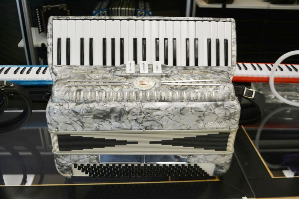 Lindo Piano Accordion