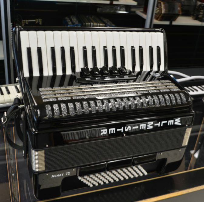 WELTMEISTER ACHAT 72 BASS PIANO ACCORDION Black Used