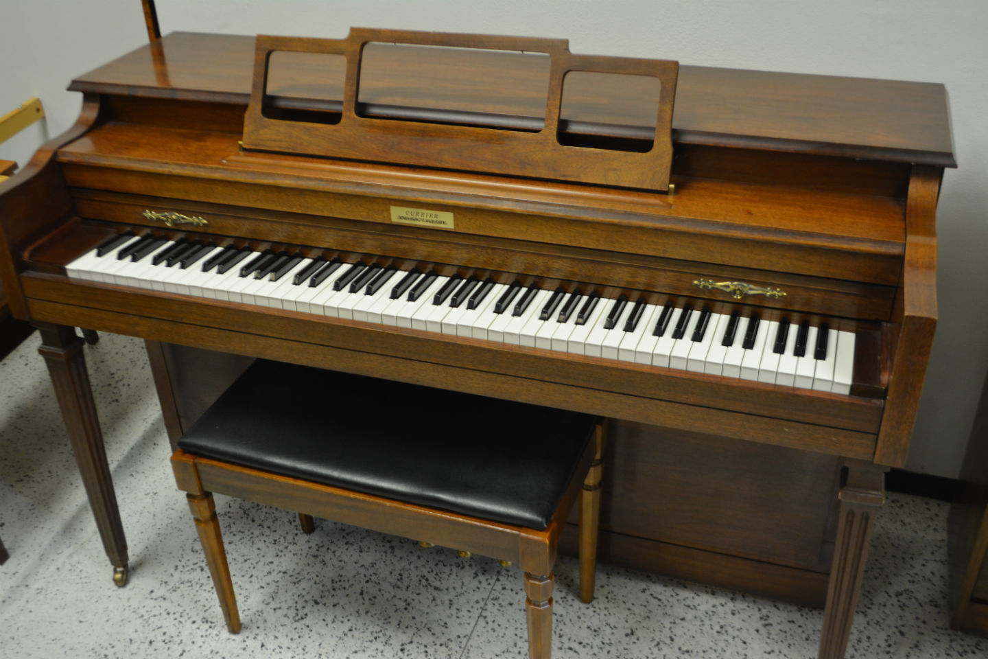 Currier Upright Console Piano