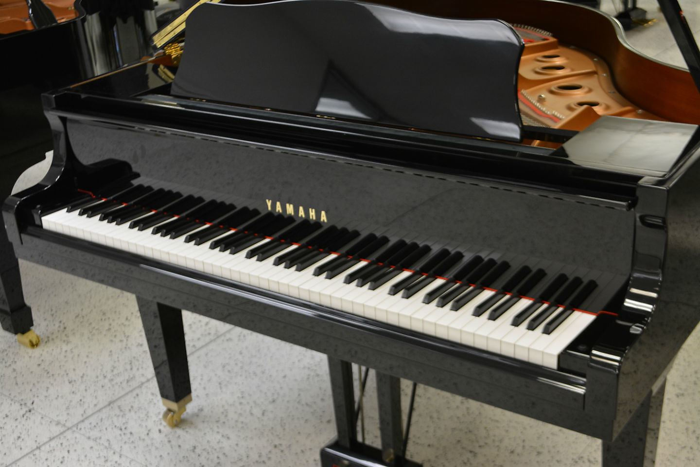 YAMAHA GB1 BABY GRAND - LIKE NEW CONDITION