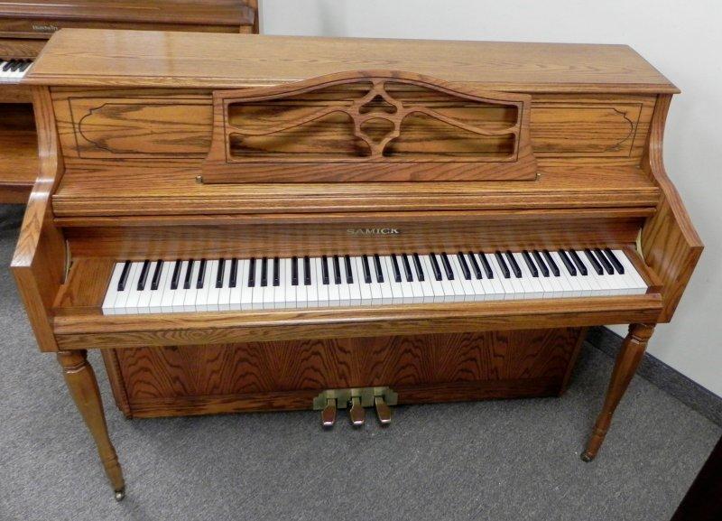 Samick Console Upright Piano - Oak Finish