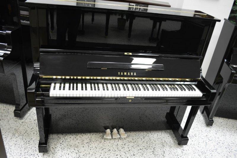 Yamaha U3 Upright Piano (used)