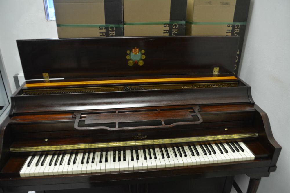 Lester Piano